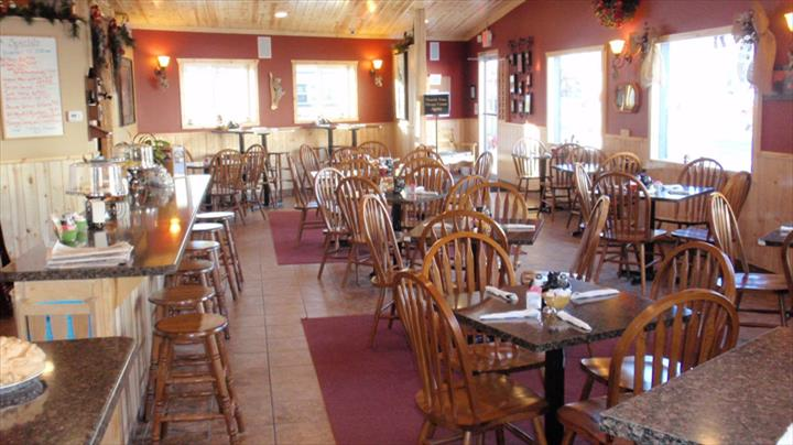 Hungry Bear - Cafe & Catering - Restaurants - Bonduel, WI - Slider 0