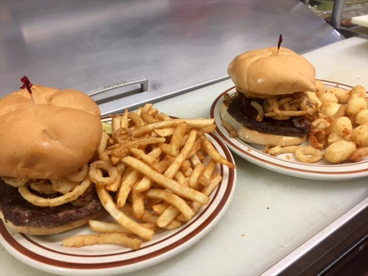 Hungry Bear - Cafe & Catering - Restaurants - Bonduel, WI - Thumb 9